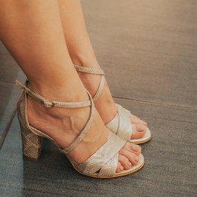 Sandale din piele naturala cu print sarpe auriu Catalina