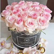 Pink Roses Box | Million Roses by FlorPassion Milano