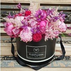 Luxury Flower Box | Milan Florist | Send Flowers to Milan Italy
