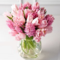 Send Spring Flowers to Milan | Same Day Flower Delivery