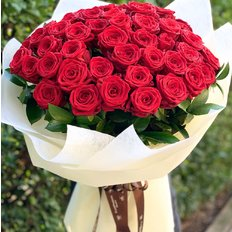 Red Naomi Roses | FlorPassion Best Florist | Send Flowers to Milan