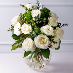 White Green Flowers Delivery to Milan Monza Como | FlorPassion